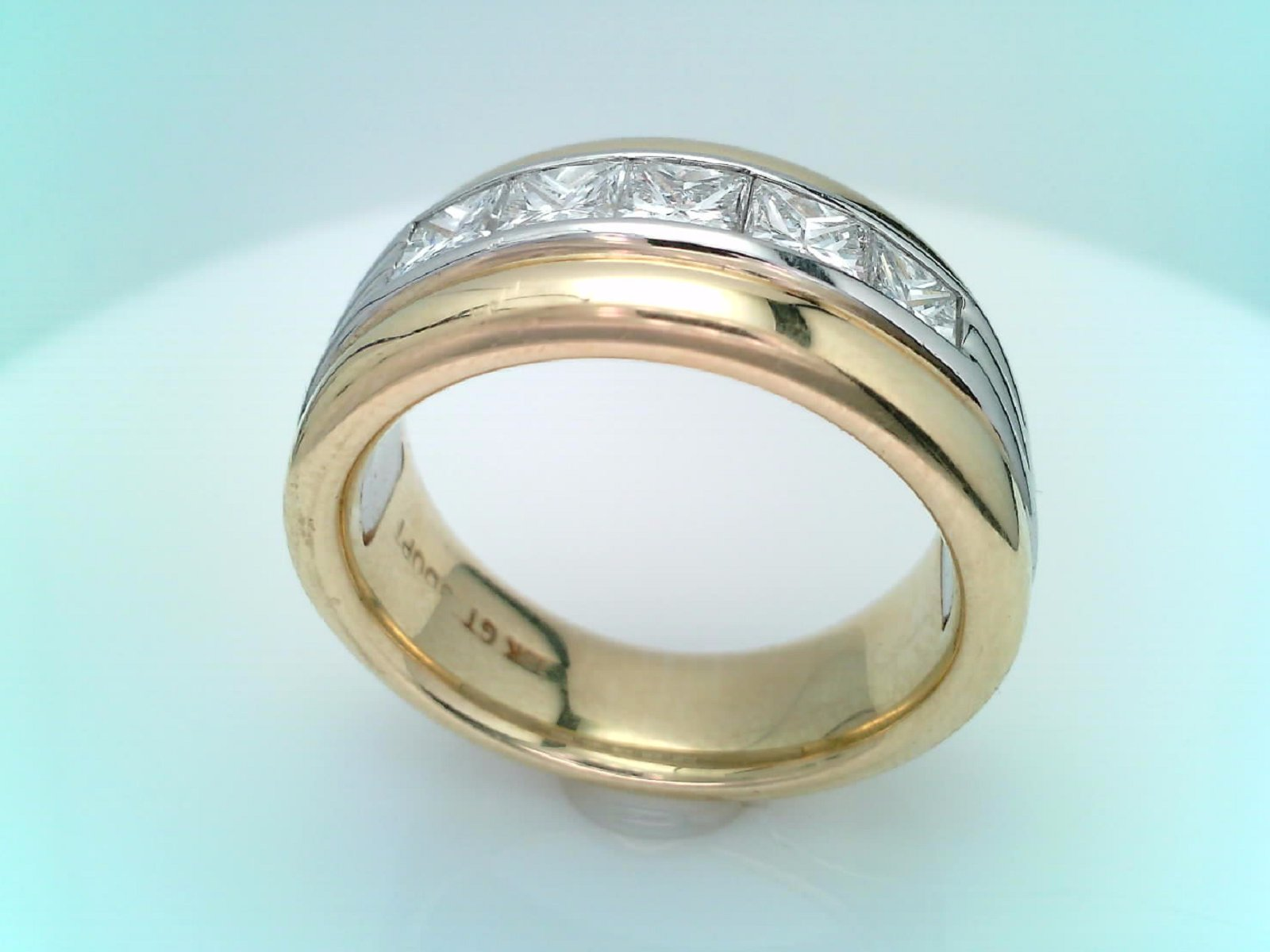 Gold & Diamond ring